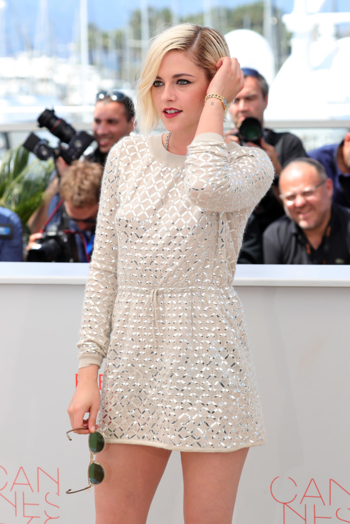 Kristen-Stewart-Personal-Shopper-Photocall-Cannes-Film-Festival-2016-Red-Carpet-Fashion-Chanel-Tom-Lorenzo-Site-1