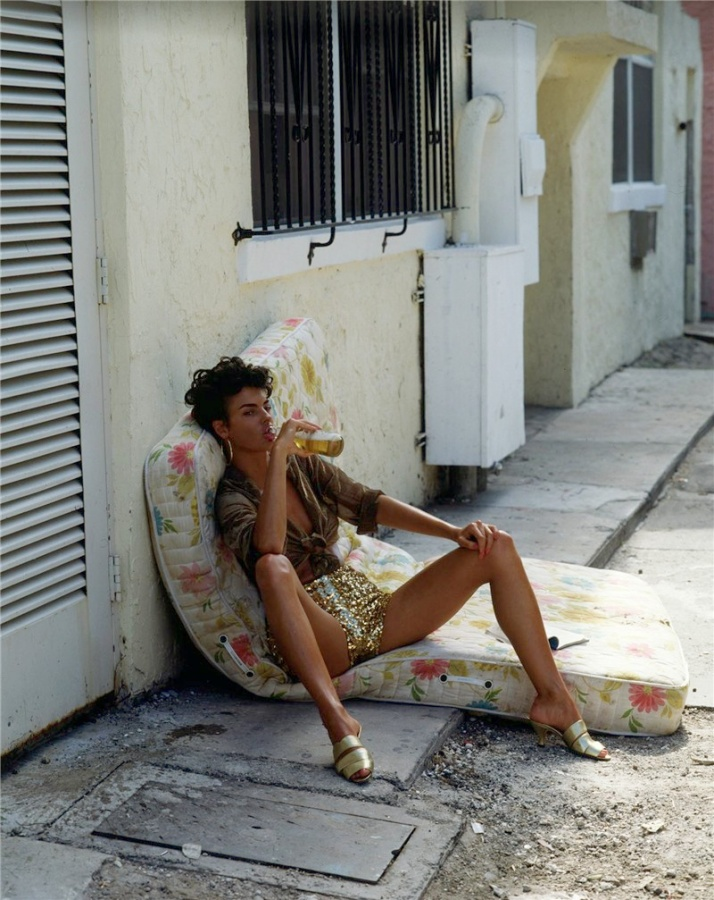 Linda-Evangelista-Cuban-Girl-Vogue-by-Steven-Meisel-4