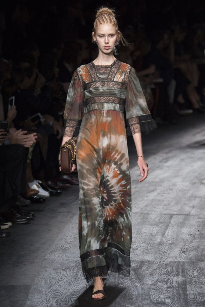 Valentino-Spring-Summer-2016-Paris-Fashion-Week-37